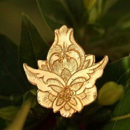 سنجاق سینه گل شاه عباسی