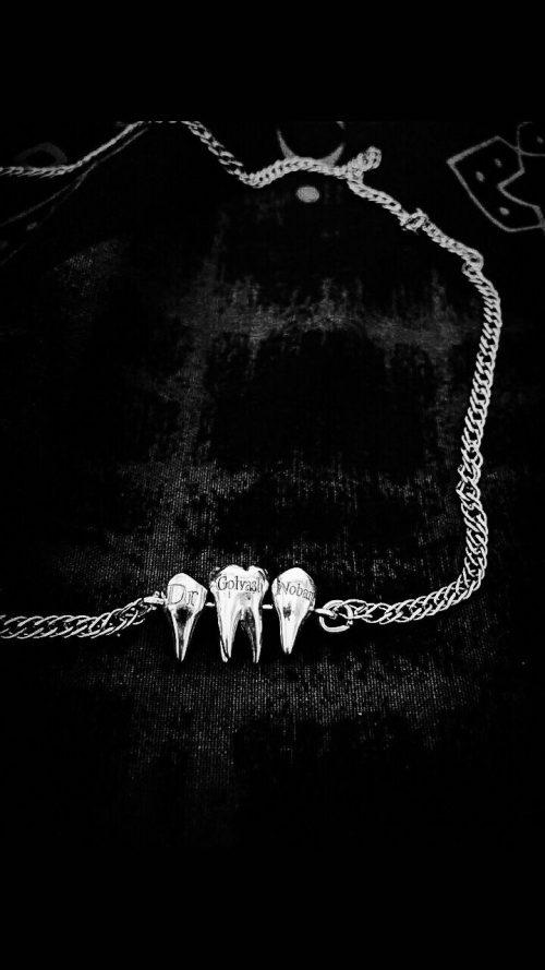 مدال گردنبند دست ساز نقره دندان دو ریشه یک ریشه سه بعدی