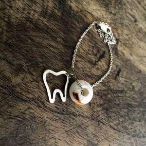 دستبند دندانی