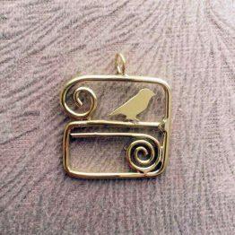 مدال پرنده بر شاخه مربع