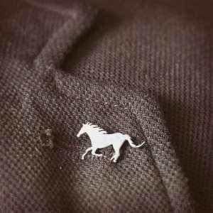 سنجاق سینه مردانه اسب