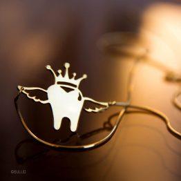 گردنبند دندانی