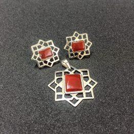 ست مدال و گوشواره عقیق مصنوعی طرح هشت گوشه سنتی