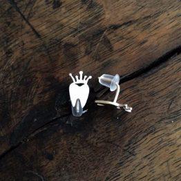 گوشواره دندانی تاج دار