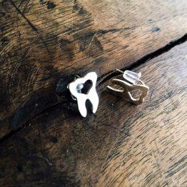 گوشواره دندانی با قلب تو خالی