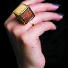انگشتر مکعب