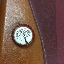 مدال طرح درخت با قاب عقیق