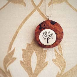 گردنبد درخت چوب و نقره